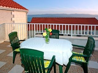 Aurora Apartments 1, A4+1 - Bol vacation rentals