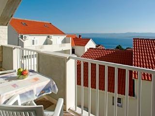 Aurora Apartments 2, A4+1 - Bol vacation rentals