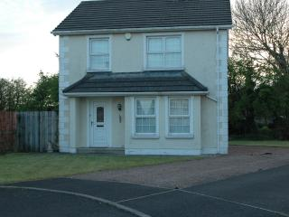 Ballycastle holiday home with golf nearby - Ballycastle vacation rentals