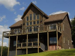 Astounding 4 Bedroom Mountain Retreat boasts extraordinary mountain views! - McHenry vacation rentals