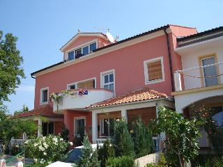Cozy 2 bedroom Condo in Malinska - Malinska vacation rentals