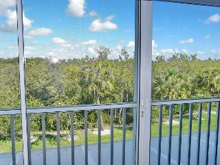 Secluded condo in quiet section of Island w/ heated pool & hot tub - Marco Island vacation rentals