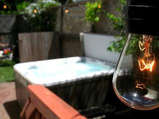"""Welcome Aboard"" Stunning & New! Short walk Walk to River, Hot Tub/ Wineries - Guerneville vacation rentals"