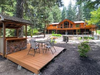ONE-of-a-KIND Riverfront Home! 4BD, Slps12, Near Suncadia | 5th Nt FREE Aug - Cle Elum vacation rentals