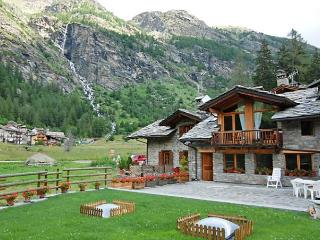 Chez Les Roset - Arvier vacation rentals