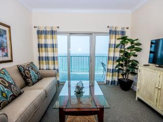 2 bedroom House with Shared Outdoor Pool in Gulf Shores - Gulf Shores vacation rentals