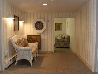 Comfortable 2 bedroom Apartment in Stone Harbor - Stone Harbor vacation rentals