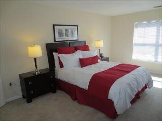 Lux Stamford 2BR w/pool & FREE pkg - Stamford vacation rentals