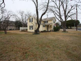 Cosmos Corner House - Fredericksburg vacation rentals