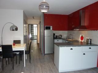 Romantic 1 bedroom Aubenas Condo with Internet Access - Aubenas vacation rentals