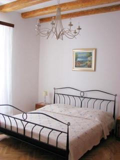 Comfortable 2 bedroom Vis Apartment with Internet Access - Vis vacation rentals