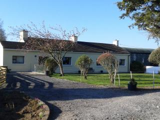 Old - Style - Traditional Farmhouse with Free WiFi - Doon vacation rentals