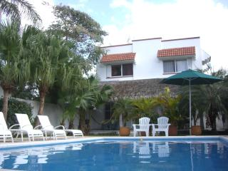 Jungle Dream: great location, garden and pool - Cozumel vacation rentals