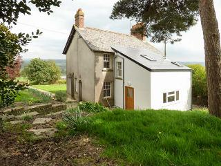 TY MAWR HILL, set in elevated location, open fire, parking, garden, in Usk, Ref 30875 - Usk vacation rentals