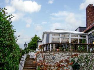BRON-Y-BRYN COTTAGE, family friendly, with a garden in Gwaenysgor Near Prestatyn, Ref 7845 - Gwaenysgor Near Prestatyn vacation rentals