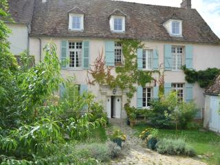 Beautifully Converted C16 Convent, close to Paris - Neauphle-le-Chateau vacation rentals