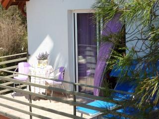 Apartment Gualdo - Sutomore vacation rentals