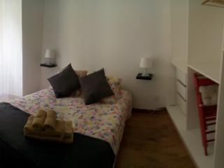 Cozy apartment in Mouraria, downtown Lisbon, - Lisbon vacation rentals
