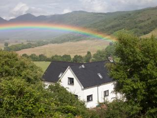 Comfortable 4 bedroom Strontian House with Internet Access - Strontian vacation rentals