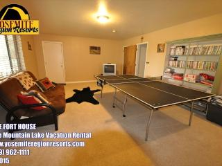 Covered Deck, Ping Pong, Slps10, Near> Yosemite - Groveland vacation rentals