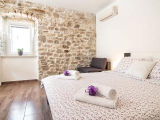 "Luxury rooms "" IMB"" I - Split vacation rentals"