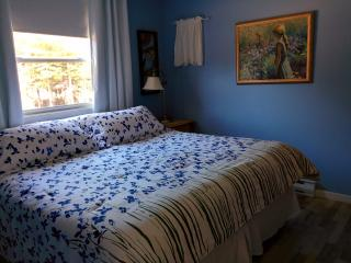 2 bedroom cottage at beautiful Stanhope Beach - Stanhope vacation rentals