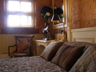 Lovely 1 bedroom Cottage in Cheshire with Deck - Cheshire vacation rentals