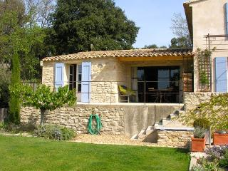 Les Banquets - 2 bedrooms + pool - Vaugines vacation rentals