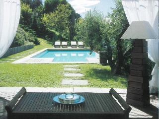 Wonderful 4 bedroom Laveno-Mombello House with Internet Access - Laveno-Mombello vacation rentals
