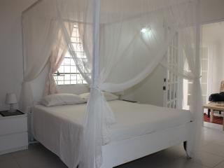 Romantic 1 bedroom Apartment in Westerhall Point - Westerhall Point vacation rentals