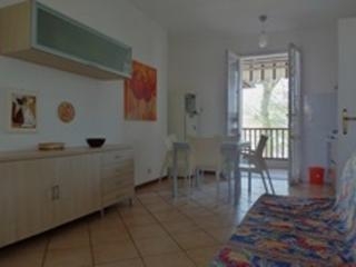 Nice Cottage with Balcony and Parking - Lido delle Nazioni vacation rentals
