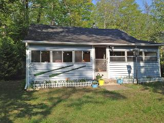 Welcome Back Inn cottage (#698) - Wiarton vacation rentals