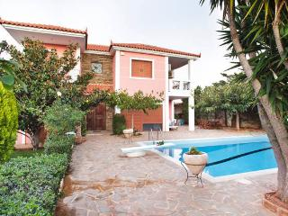 Spacious 5 bedroom Anavyssos Villa with Television - Anavyssos vacation rentals