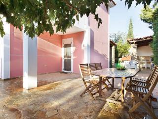 Spacious 5 bedroom Anavyssos Villa with A/C - Anavyssos vacation rentals