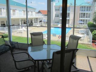 Brook, Poolside Walk In, Recliners! | Meadow Brook - Branson vacation rentals
