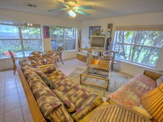 Beach Comber's Hideaway - South Padre Island vacation rentals