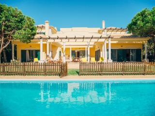 Bright 5 bedroom House in Castro Marim - Castro Marim vacation rentals