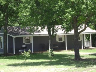 1 bedroom Guest house with A/C in Sulphur - Sulphur vacation rentals