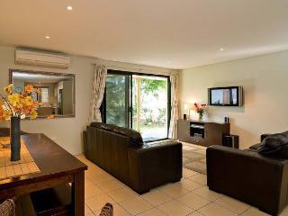 Cozy Condo in Byron Bay with Internet Access, sleeps 5 - Byron Bay vacation rentals