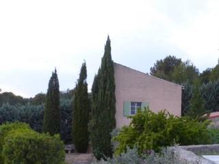 La  Petite maison de Marie Louise - Lauris vacation rentals