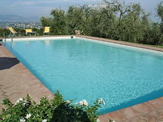 Nice Townhouse with Internet Access and Dishwasher - Montecarlo vacation rentals