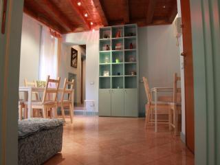 splendide camere matrimoniali in centro - Verona vacation rentals
