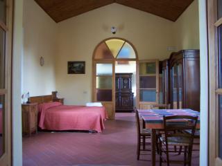 Appartamento Il Giardiniere - Vada vacation rentals