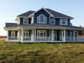Perfect Cottage with Deck and Garage - Lower West Pubnico vacation rentals