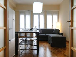 Modern 3bdr in the heart of Milan - Milan vacation rentals