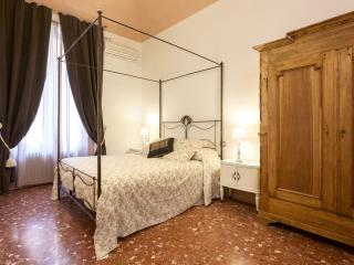 Visconti Suite 1 - Nice & Central - Rome vacation rentals