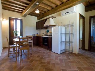 Borgo le Capannelle - Appartamento Peonia - Castel Ritaldi vacation rentals
