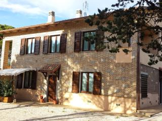 Nice 1 bedroom House in Fratticiola Selvatica - Fratticiola Selvatica vacation rentals
