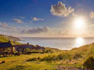 CATS CRADLE, charming cornish cottage in an area of outstanding natural beauty - Sennen vacation rentals