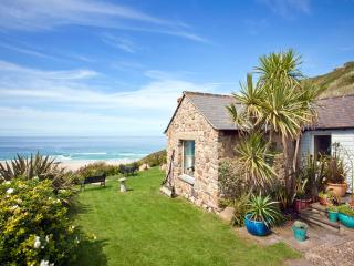Sheldrake, spacious cottage on beach in amazing location with superb sea views - Sennen vacation rentals